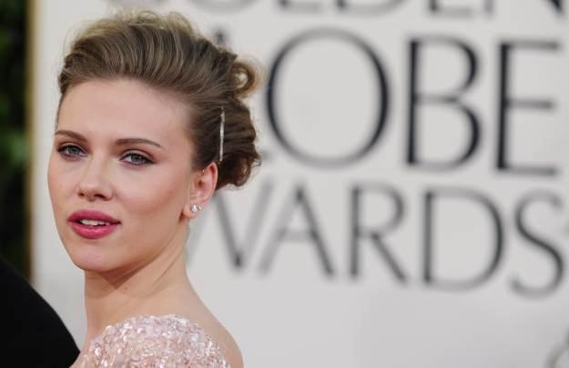 Scarlett Johansson - jej prywatne zdjęcia, wykradzione z telefonu, to sprawka hakerów /AFP