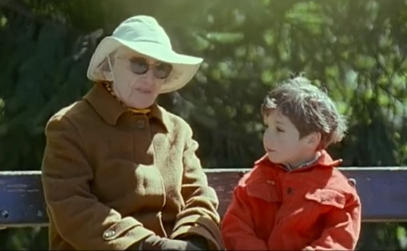 """Scena z panią w białym kapeluszu. """"Najważniejsza w życiu jest akceptacja"""" /materiały prasowe"""