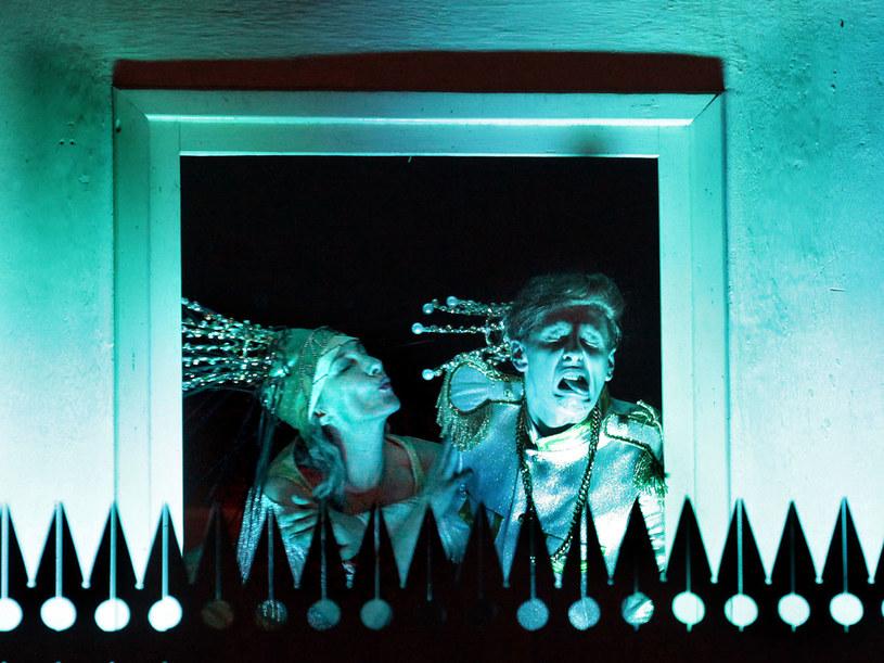 Scena ze spektaklu. Na zdj. Jolanta Podlewska i Jaromir Trafankowski /M. Grotowski /materiały promocyjne