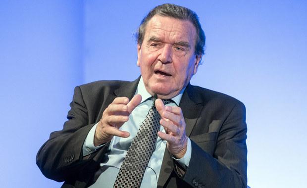 Schroeder: Absurdalne jest podejrzenie, że Rosjanie mają chrapkę na Polskę