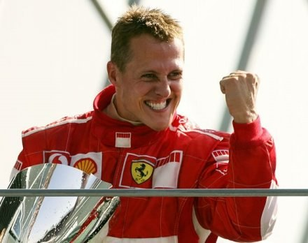 Schumacher wciąż chce się ścigać i wygrywać /AFP