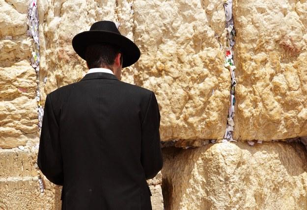 Ściana Płaczu - jedno z najbardziej rozpoznawalnych miejsc w Izraelu /123/RF PICSEL
