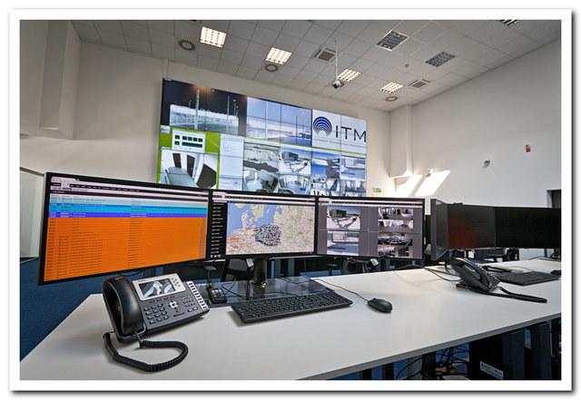 Ściana wizyjna w Centrum Monitorowania Alarmów firmy ITM Poland w Zielonej Górze ma wymiary 7,3 na 3,4 metra /materiały prasowe