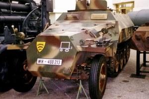 Sd.Kfz.251 / Kliknij /