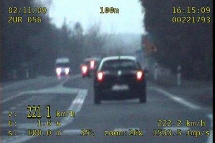 Seat 221,1, policja - 222,2 km/h /Policja