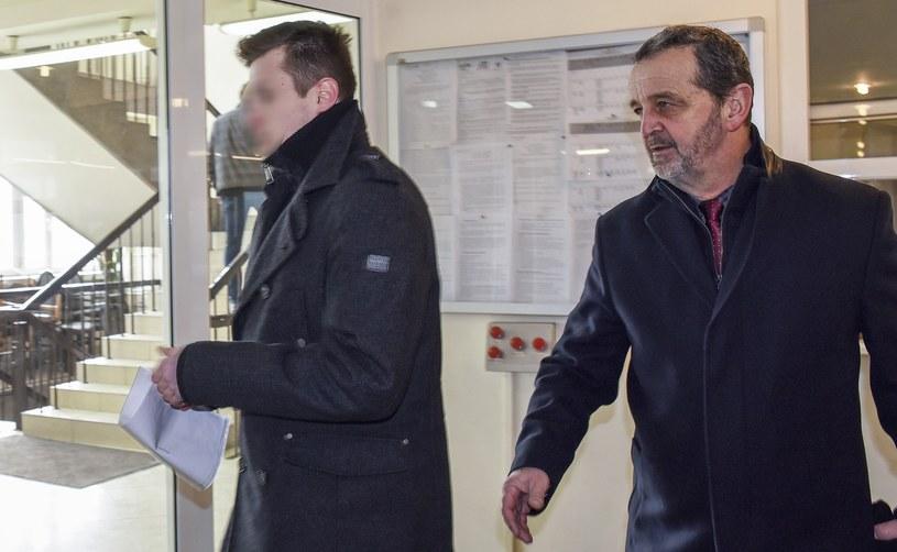 Sebastian K., czyli kierowca Seicento, oraz jego adwokat, mec. Władysław Pociej /MAciej Lasyk /Reporter