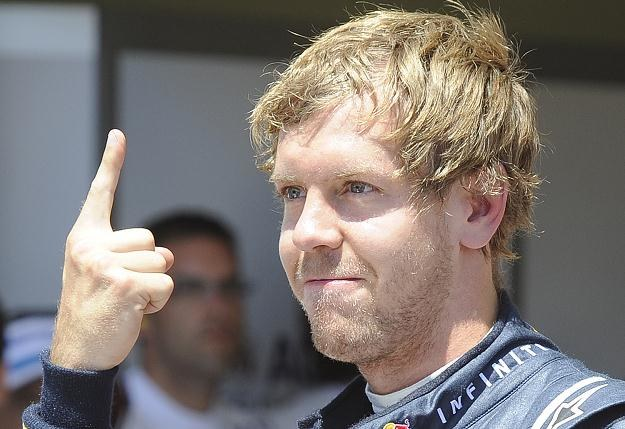 "Sebastian Vettel i jego ""palec radości"" /AFP"