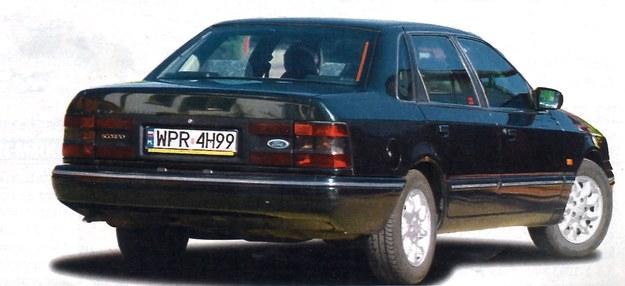 Sedan wszedł do produkcjiz opóźnieniem, bo dopierow 1990 roku. To najelegantsza wersja pierwszegoScorpio. /Motor