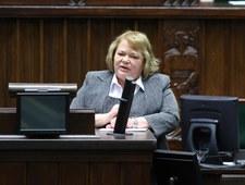 Sejm świeżym okiem: Starzy posłowie są sztuczni, a posłanki zmanierowane