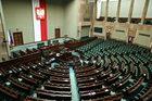 Sejm wznowił obrady. Posłowie zajmą się m.in. projektem zmian w konstytucji