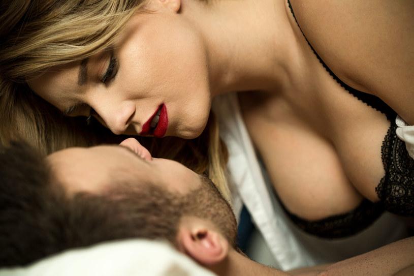 Seks? Co najmniej raz w tygodniu - tak radzą naukowcy /©123RF/PICSEL