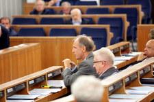 Senat decyduje o referendum 25 października