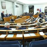 Senat poparł obniżenie uposażenia parlamentarzystów o 20 proc.