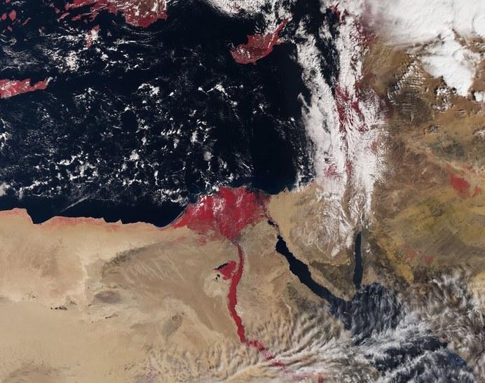 Sentinel-3A zrobił zdjęcie Nilu zabarwionego na czerwono /materiały prasowe