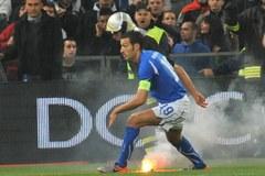 Serbscy chuligani doprowadzili do przerwania meczu we Włoszech