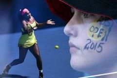 Serena Williams cieszy się po wygranej ze Słowenką