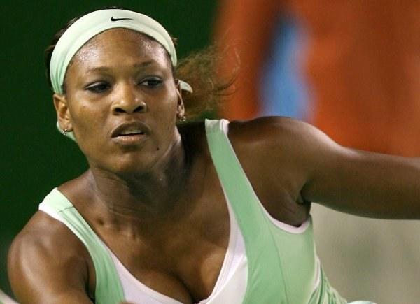 Serena Williams wróciła na kort i wygrała /AFP