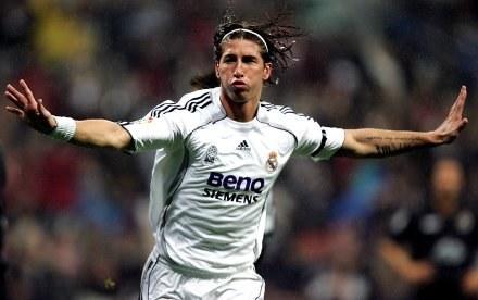 Sergio Ramos strzelił pierwszego gola. Real-Racing 3:1 /AFP
