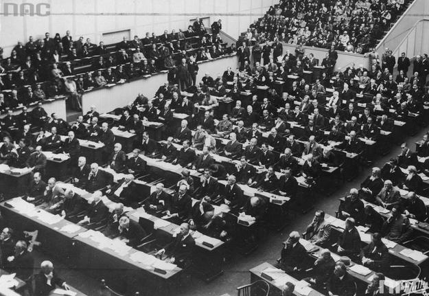Sesja Rady Ligi Narodów w Genewie. Zdjęcie z 1931 roku /Z archiwum Narodowego Archiwum Cyfrowego