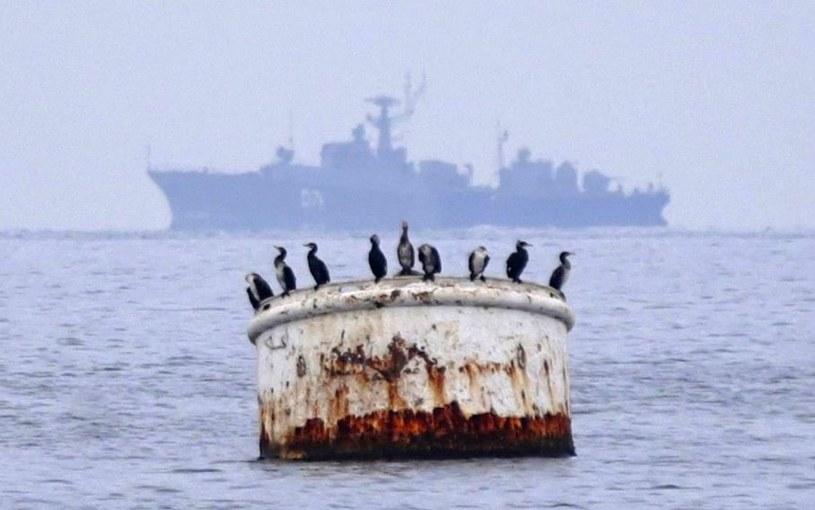 Sewastopol. W tle jednostka rosyjskiej Floty Czarnomorskiej /PAP/EPA
