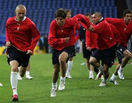 Seweryn Gancarczyk (z lewej) liczy, że dzięki dobrej grze w Lechu wróci do reprezentacji. /AFP