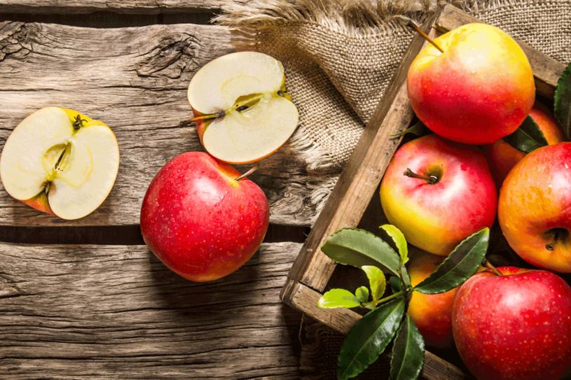 Sezon na ciasta z jabłkami trwa! /123RF/PICSEL