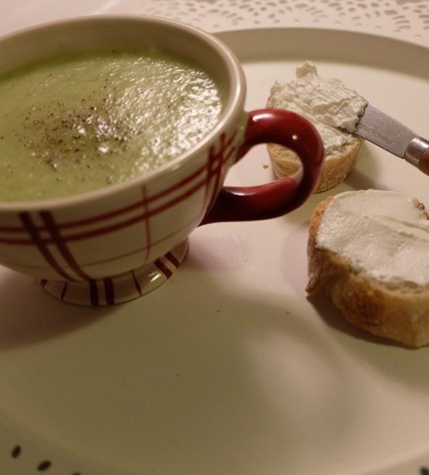 Sezon na zupy 2015 – Krem z pasternaku i z cukini, tosty z kozim twarogiem n°3