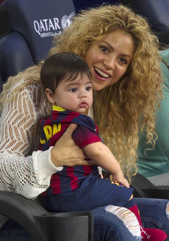 Shakira z synem Milanem na trybunach/Action press/Ohpix /East News