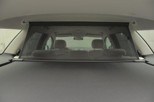 Siatka oddzielająca bagażnik od kabiny dostępna jest w pakiecie z roletami szyb tylnych – kosztuje 1300 zł. /Auto Moto