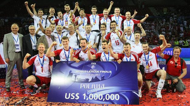 Siatkarska reprezentacja Polski po zwycięstwie w Sofii /  /fivb.org