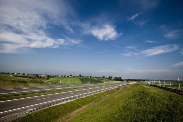 Sieć nowoczesnych dróg nieco urosła / Fot: Marek Jabłoński /East News