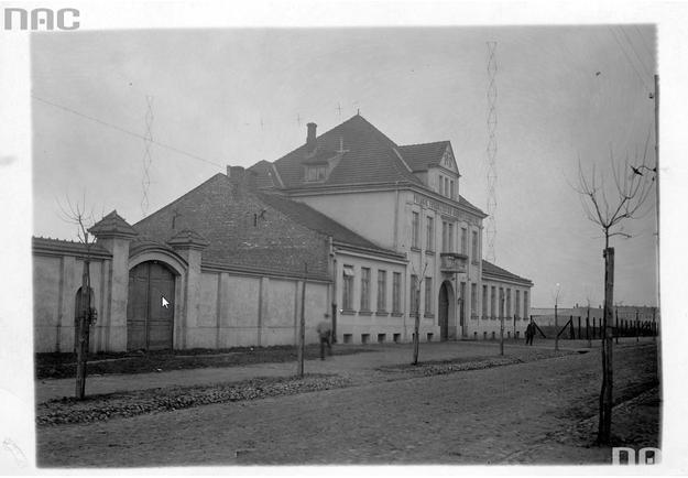 Siedziba Polskiego Towarzystwa Radiotechnicznego przy ulicy Narbutta w Warszawie /Z archiwum Narodowego Archiwum Cyfrowego