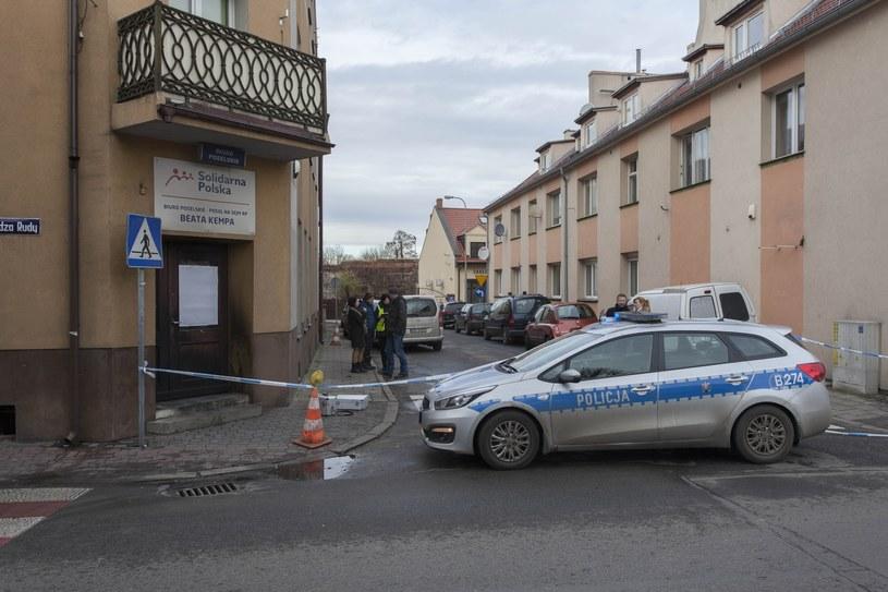 Siedzibę posłanki zabezpieczyła policja /Tomasz Gola /East News