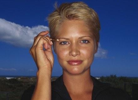 Sięgnij po kosmetyki, które przywrócą cerze blask /ThetaXstock