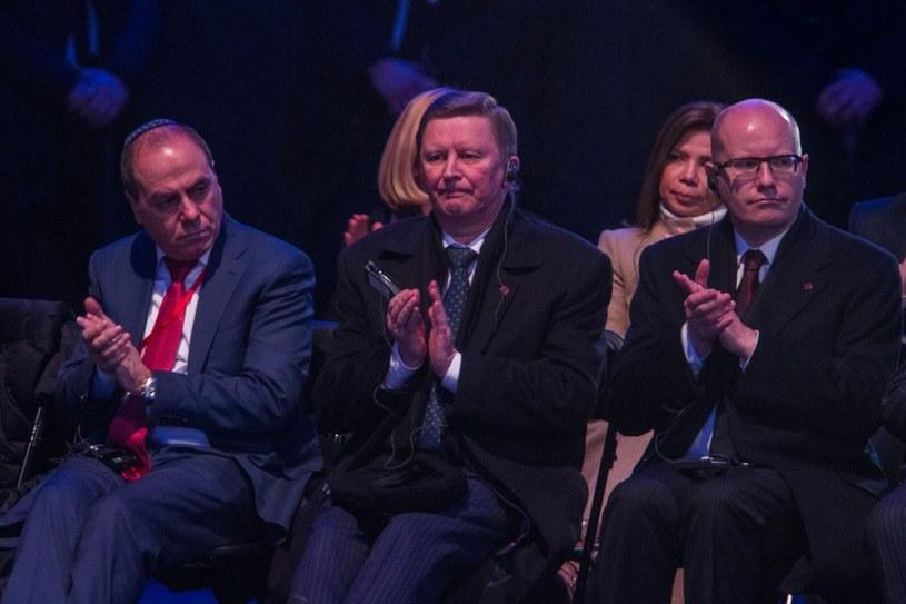 Siergiej Iwanow (w środku) na obchodach 70 rocznicy wyzwolenia KL Auschwitz /Jan Graczyński /East News