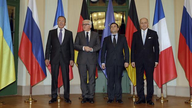 Siergiej Ławrow, Frank-Walter Steinmeier, Pawło Klimkin i Laurent Fabius podczas spotkania w Berlinie fot. Michael Sohn /AFP