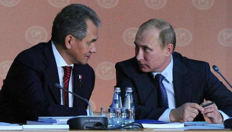 Siergiej Szojgu i Władimir Putin /AFP