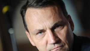Sikorski w &quot;Gazecie Wyborczej&quot;: Nic o Polsce bez Polski