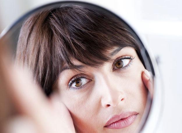 Silikonowy krem naciągnie skórę twarzy /123RF/PICSEL