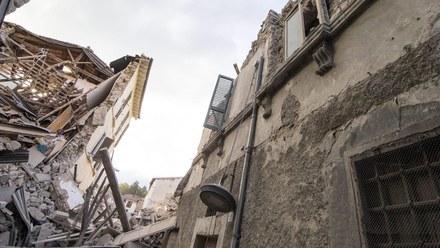 """Silne trzęsienie ziemi we Włoszech. """"Nie ma pół miasta. Ludzie są pod gruzami"""""""