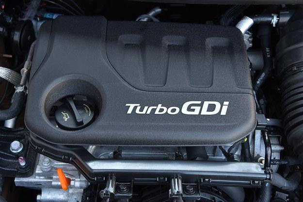 Silnik 1.0T rozczarowuje zarówno temperamentem, jak i zużyciem paliwa. /Motor