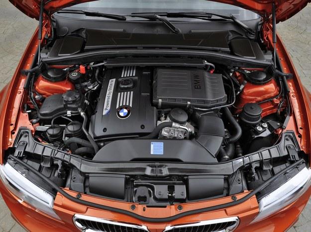 Silnik: 3.0 R6, moc 340 KM. Moment: 450-500 Nm. Przyspieszenie 0-100 km/h: 4,9 s. /BMW