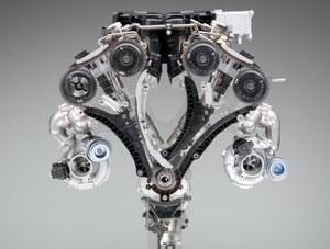 Silnik BMW z dwiema turbosprężarkami. /BMW