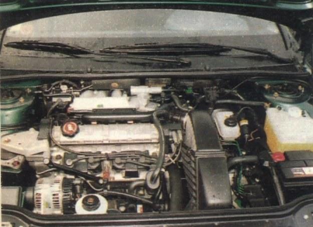Silnik Laguny 1.8... /Motor