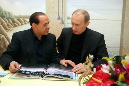 Silvio Berlusconi i Władimir Putin to starzy przyjaciele /AFP