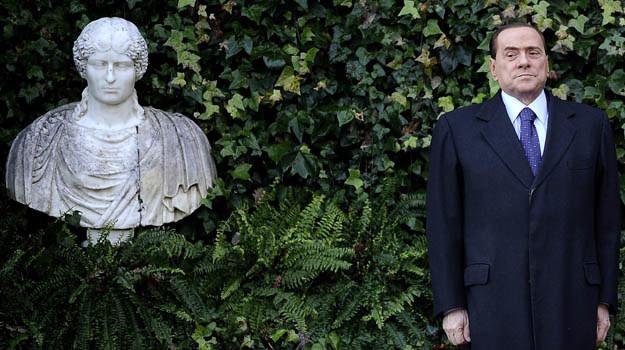 Silvio Berlusconi staje się obiektem artystycznych parodii /AFP
