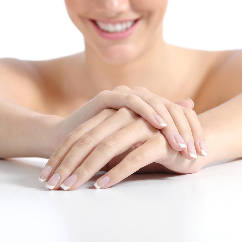 Sine palce to prawdopodobnie objaw poważnej choroby. /©123RF/PICSEL