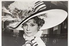 Skacząca Monroe. A Bardot i Hepburn w kapeluszach