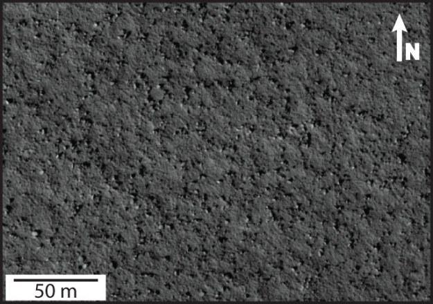 Skały na powierzchni Marsa.  Fot. Moscardelli 2014 /NASA