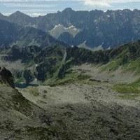 Skały zasypały popularny tatrzański szlak. Może być niebezpiecznie